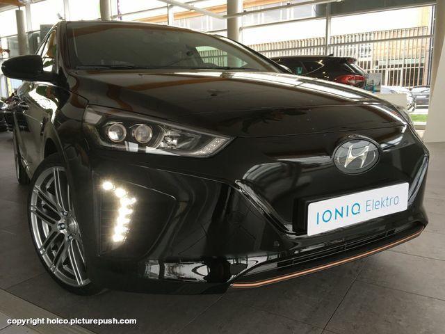 18422150 10154273533742493 4435351324729565716 o Hyundai Ioniq Electric