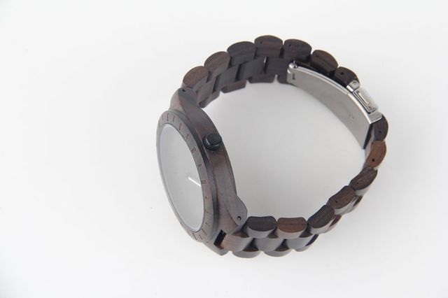 6011 Wooden Watches