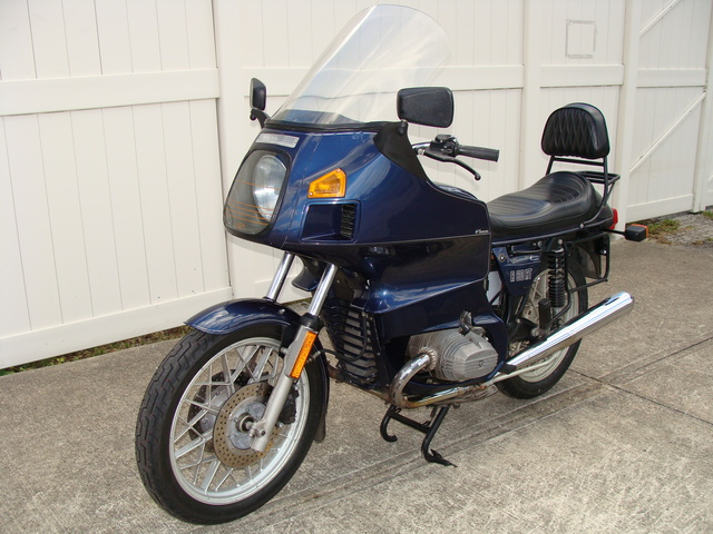 6172801 '83 R80RT Dk Blue (1) 6172801 '83 BMW R80RT, Dark Blue. 49,600 Miles. Koni rear shocks, BMW Saddlebags, Reynolds Tour Rest. Fresh 10K Service, New Tires & Battery, plus much more!