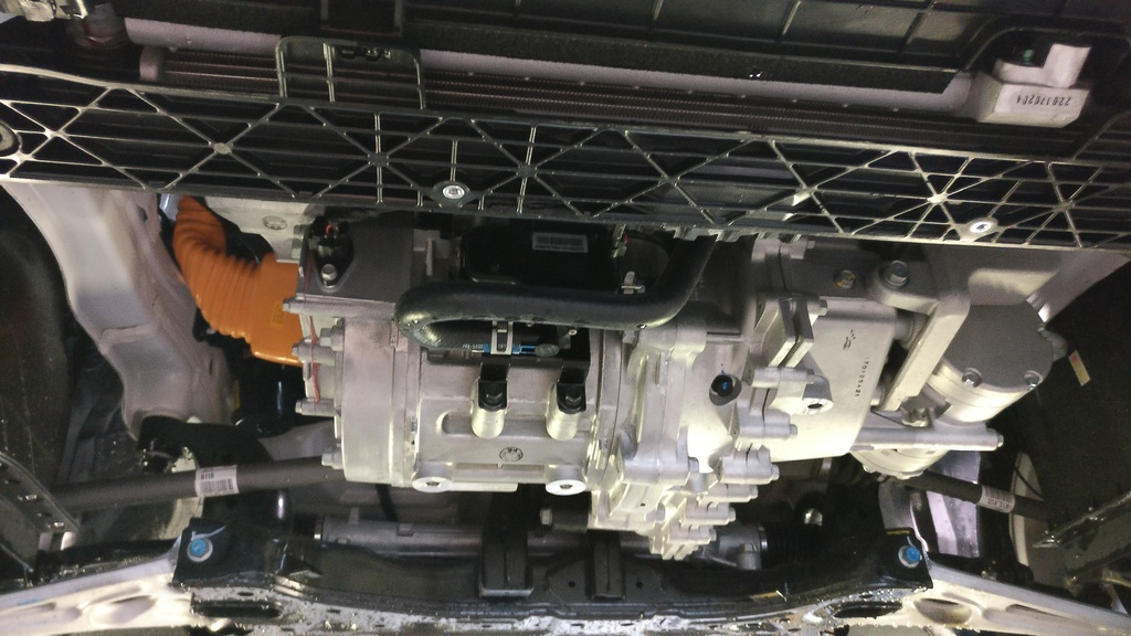 https://www1.picturepush.com/photo/a/15840101/1024/Hyundai-Ioniq-Electric/Hyundai-Ioniq-Electric-front-spoiler-removed-3.jpg