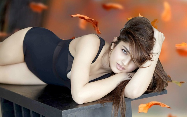 Romantic-moods-beautiful-hot-girl-wallpapers Picture Box