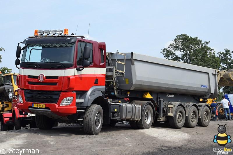 DSC 3806-BorderMaker - Truck in the Koel 2017