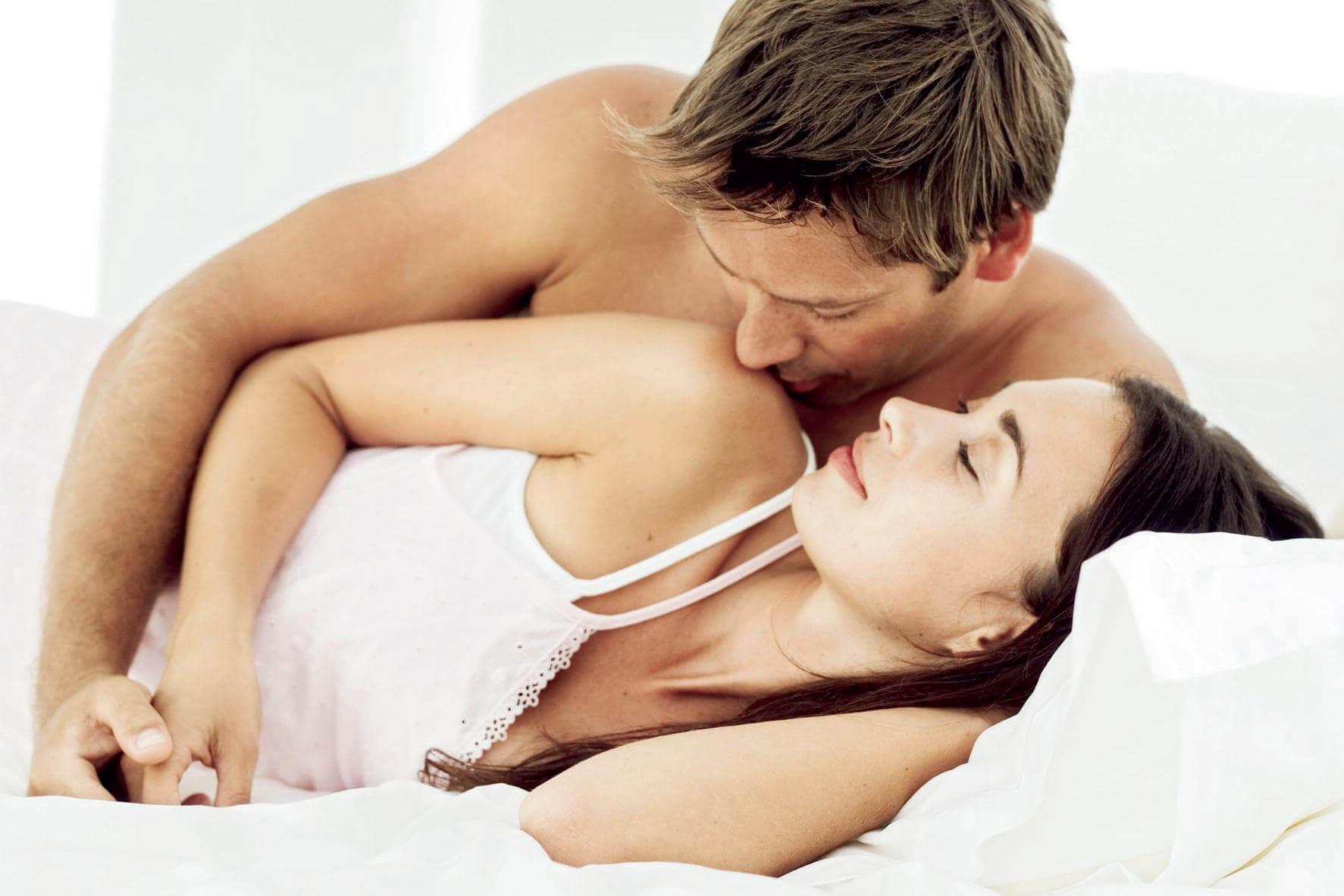 девушке нравятся как одинокий мужчина может доставить сам себе удовольствие в сексе ягодица выпуклость