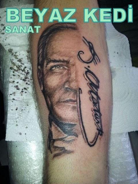 Atatürk portre dövme istanbul Dövmeci