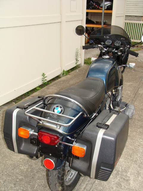 """DSC00610 4960919 '74 R90S. Reynolds Rideoff centerstand. Rebuilt motor 16,000 Mi. Krauser Saddlebags,  Fresh 10K Major Service. Factory tool kit, Krauser """"S"""" Tailpiece add-on small rack. The battery is a new sealed type"""