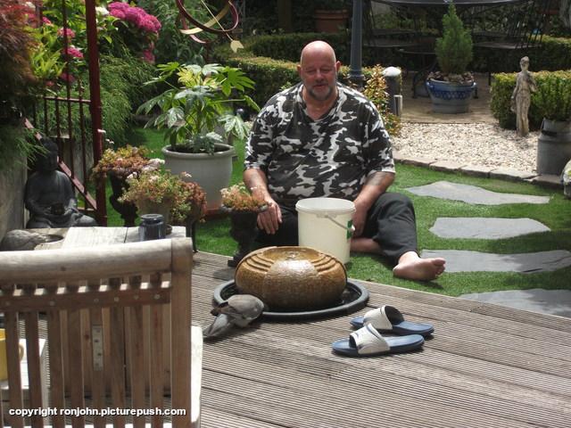 Ron en Houtduif 22-06-18 1 In de tuin 2018