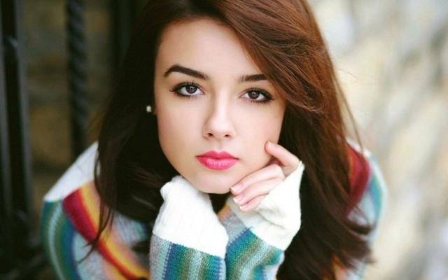 Cute-And-Stylish-Girl https://www.healthynaval.com/suavpele-ageless-face-moisturizer/