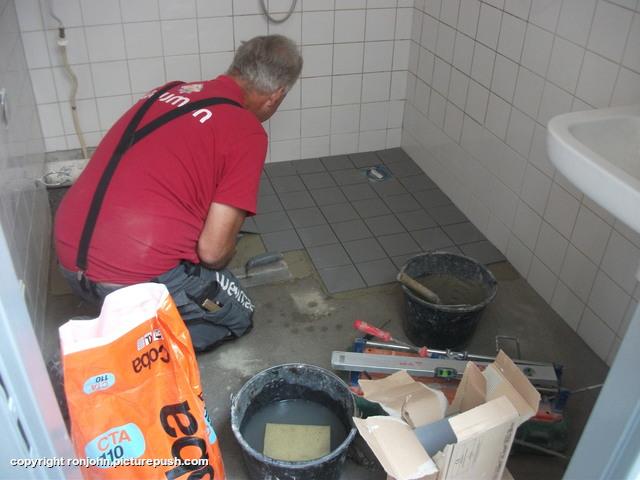 Badkamervloer betegeld 30-08-18 Aanpassingen in huis 2018