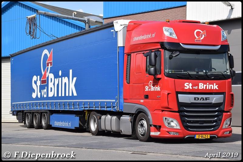 17-BLZ-3 DAF 106 St van den Brink-BorderMaker - 2019