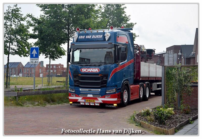 DSC 8121a-BorderMaker -