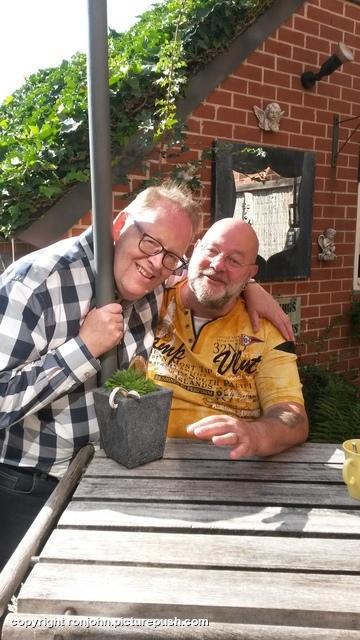 Hans Lellebel op bezoek 12-09-19 1 In de tuin 2019