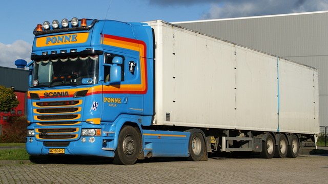 DSC01503 vrachtwagens