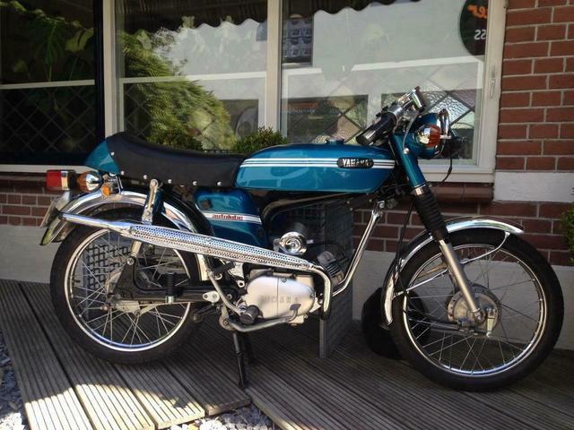 Street Alphen1 1972 FS1 5-speed Marine Blue