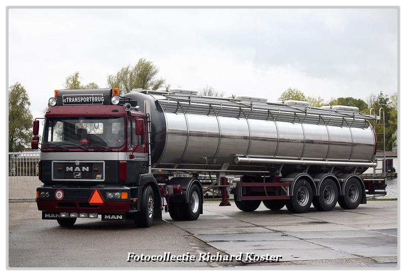 Transportbrug de MAN F2000 terreintrekker (3)-Bord - Richard