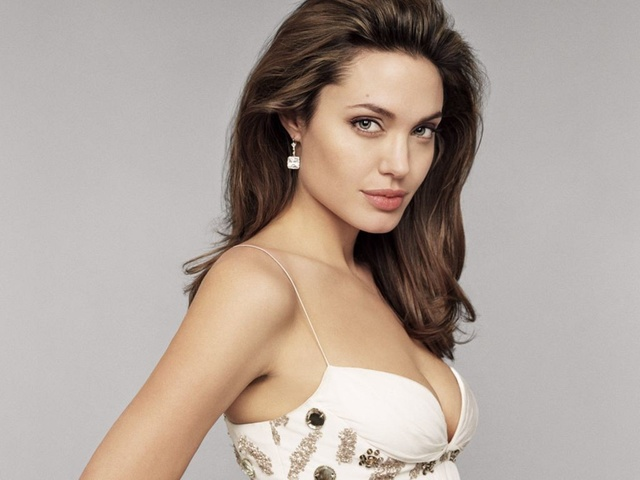 Angelina-Jolie-Hot-at-digital-mode-1024x768 Are These Natural Velofel Male Products Effective?