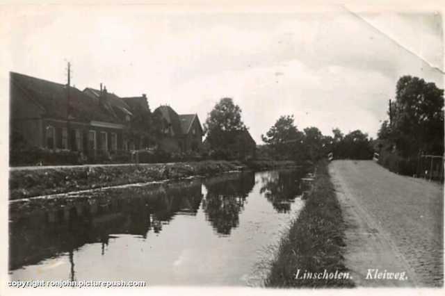 Ouderlijk huis in 1940 (straatnaam klopt niet) Het ouderlijk huis van Ron