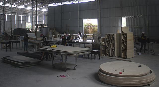Phân xưởng hoàn thiện nội thất Công ty Vinapad