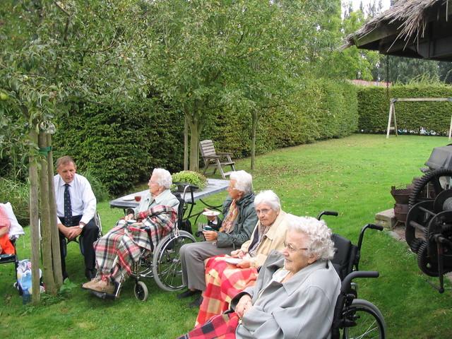 IMG 4721 rolstoelwandelen, bezoek fam. De Jonge 12-09-2007