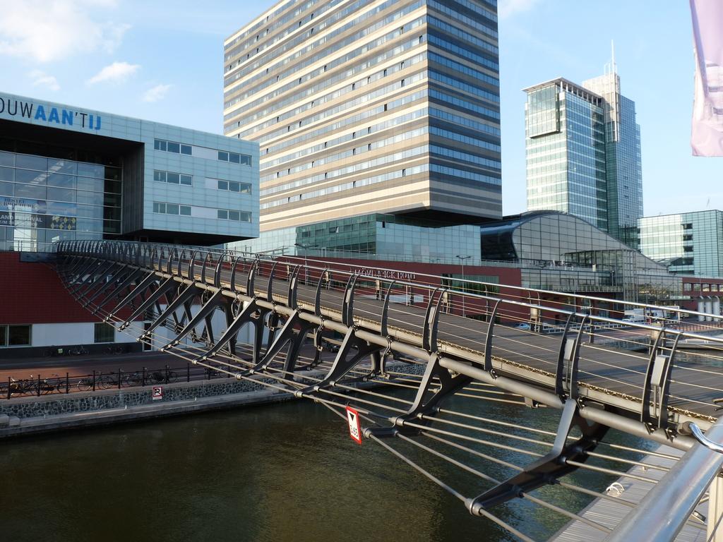P1090799 - moderne architectuur