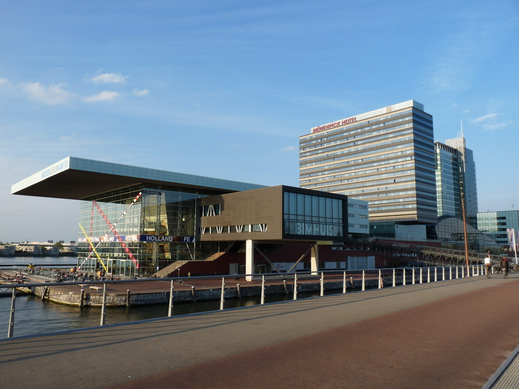 P1090811 - moderne architectuur