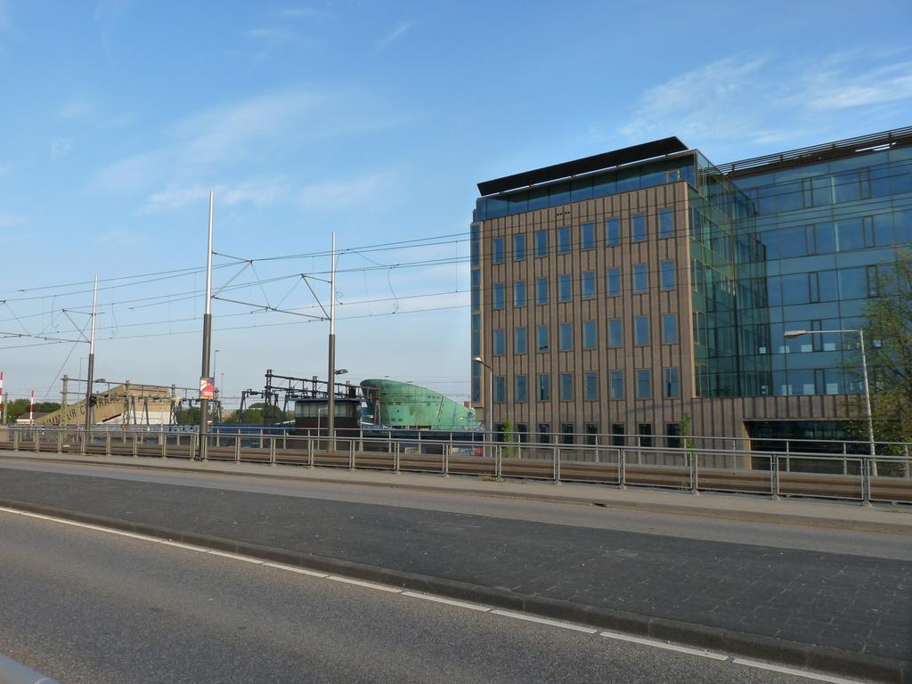 P1090818 - moderne architectuur
