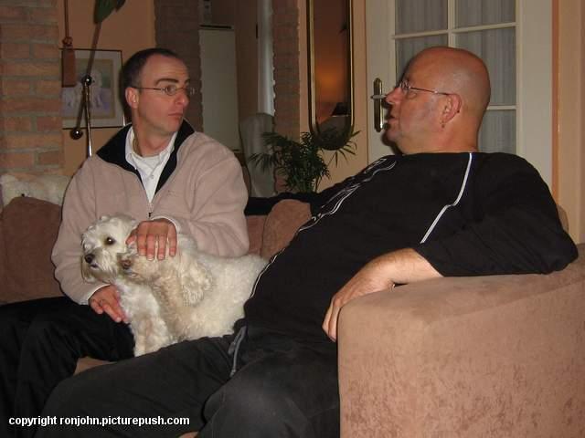 RVU - opnamedag 08-11-05 06 Huwelijk 2006 - De krant en de TV