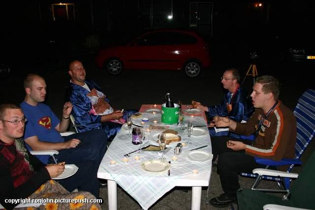 Vrijgezellennacht Ron en John 0400 uur 07-07-06  1 Huwelijk 2006 - Vrijgezellenparty