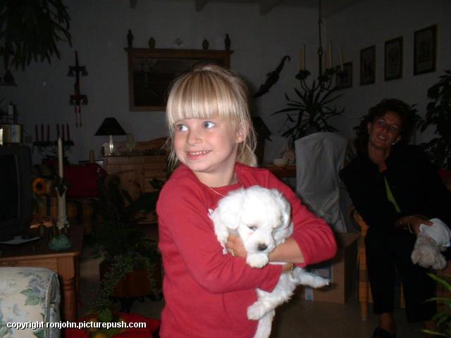 Danielle en Cindy 02-07-02 1 In huis 2002