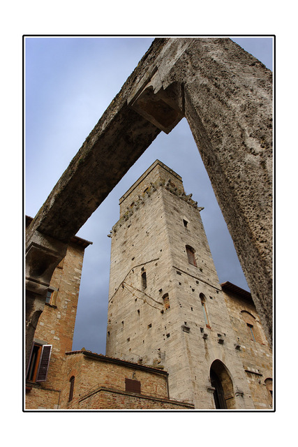 -San Gimignano tower Italy photos