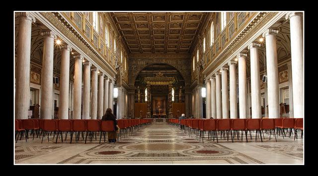 -Santa Maria Maggiore interior Italy photos