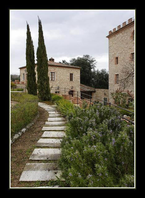 Serre di Rapolano 02fx Italy photos