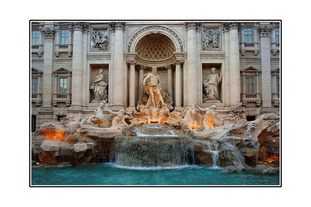 -Trevi fountain Italy photos