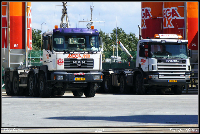 4-07-09 17-0709 1207-border diverse trucks in Zeeland