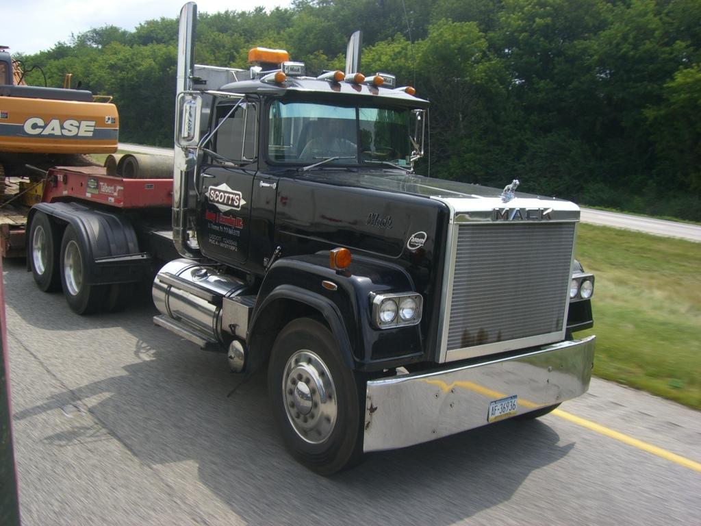 CIMG0672 - Trucks