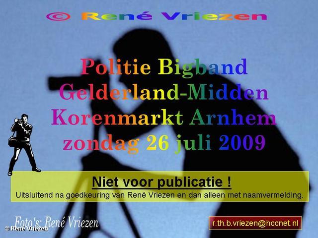 © René Vriezen 2009-07-26 #0000 Politie Bigband Gelderland-Midden Korenmarkt zondag 26 juli 2009