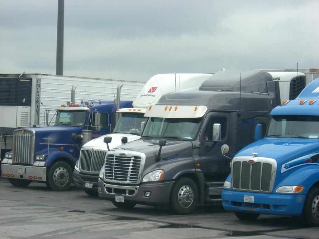 CIMG0916 - Trucks