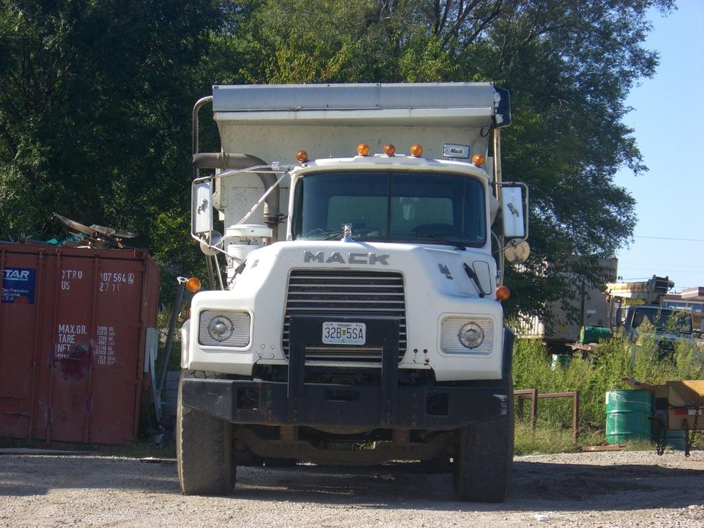 CIMG4554 - Trucks