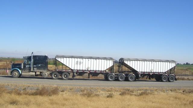 CIMG8307 Trucks