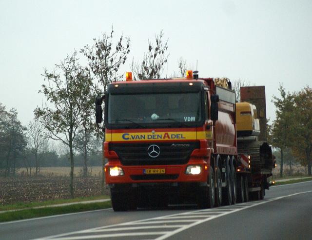 04-11-2008 009 vrachtwagens