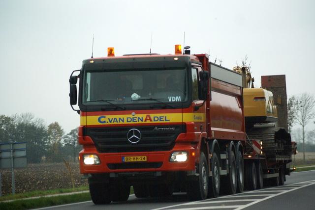 04-11-2008 010 vrachtwagens