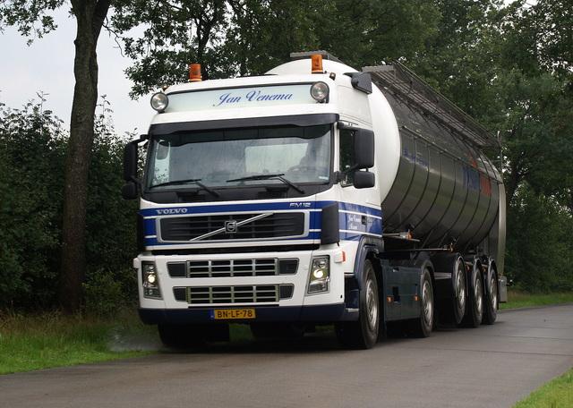 07-08-2008 017 vrachtwagens