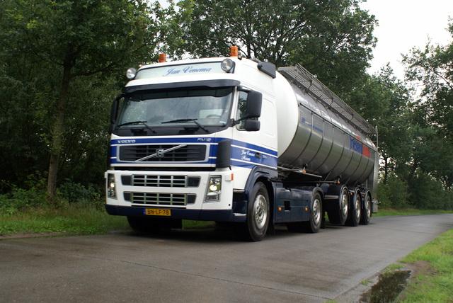 07-08-2008 018 vrachtwagens