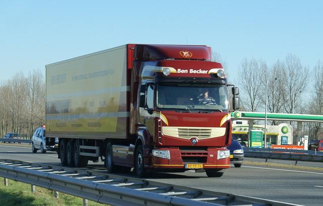 20080217 7 vrachtwagens