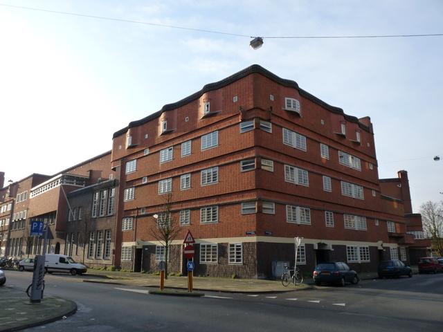 P1120917 moderne architectuur