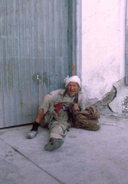 kabul, bedelaar Afghanstan 1971, on the road