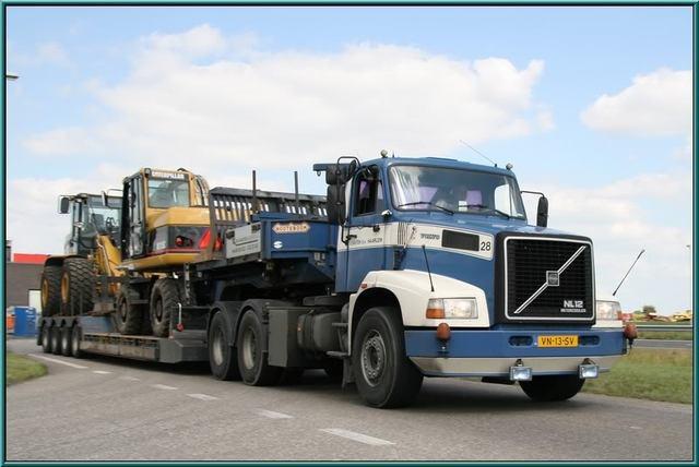 VN-13-SV   Santen Zwaartransport BV, van - Haarlem Volvo N10 & N12
