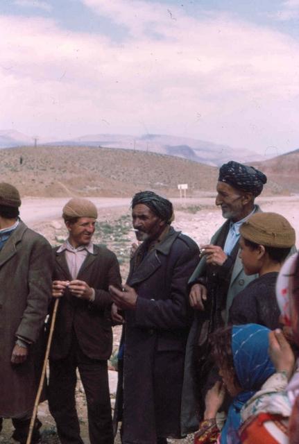 koerdische mannen Afghanstan 1971, on the road