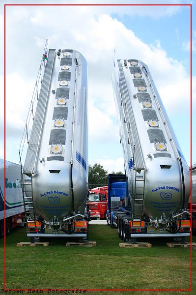 Truckstar 447-border -