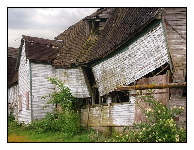 Broken Barn Abandoned