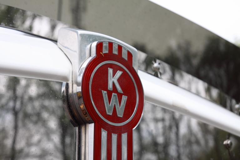 KENWORTH (2) -